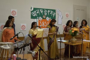 Chorus at Ananda Utsav 2009 in Geneva.